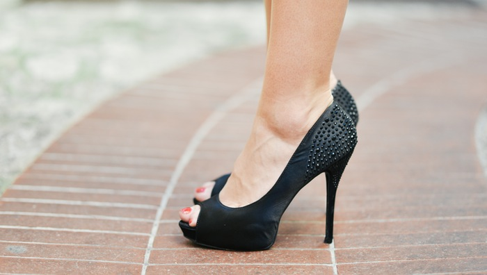 fashion-person-woman-feet (1)
